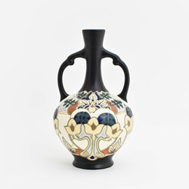 Iris Ear Vase