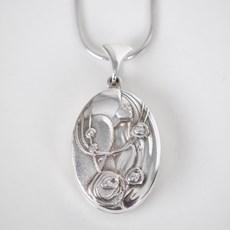 Medallion Roses